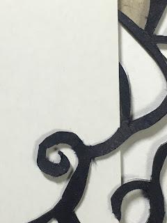 砥石で砥ぐ前のデザインナイフで切った切り絵