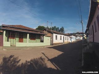 Casas em Tapera/MG.
