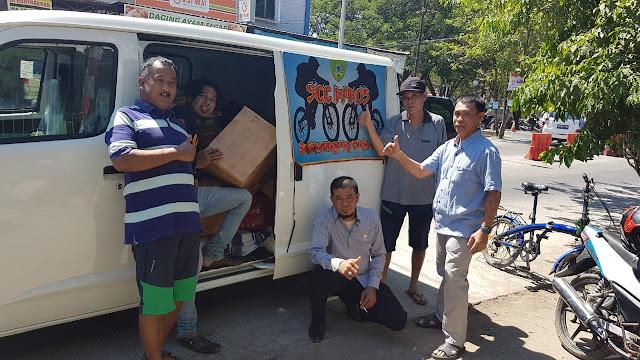 Peduli Sesama, Komunitas SCC Maros Serahkan Bantuan Logistik Korban Gempa