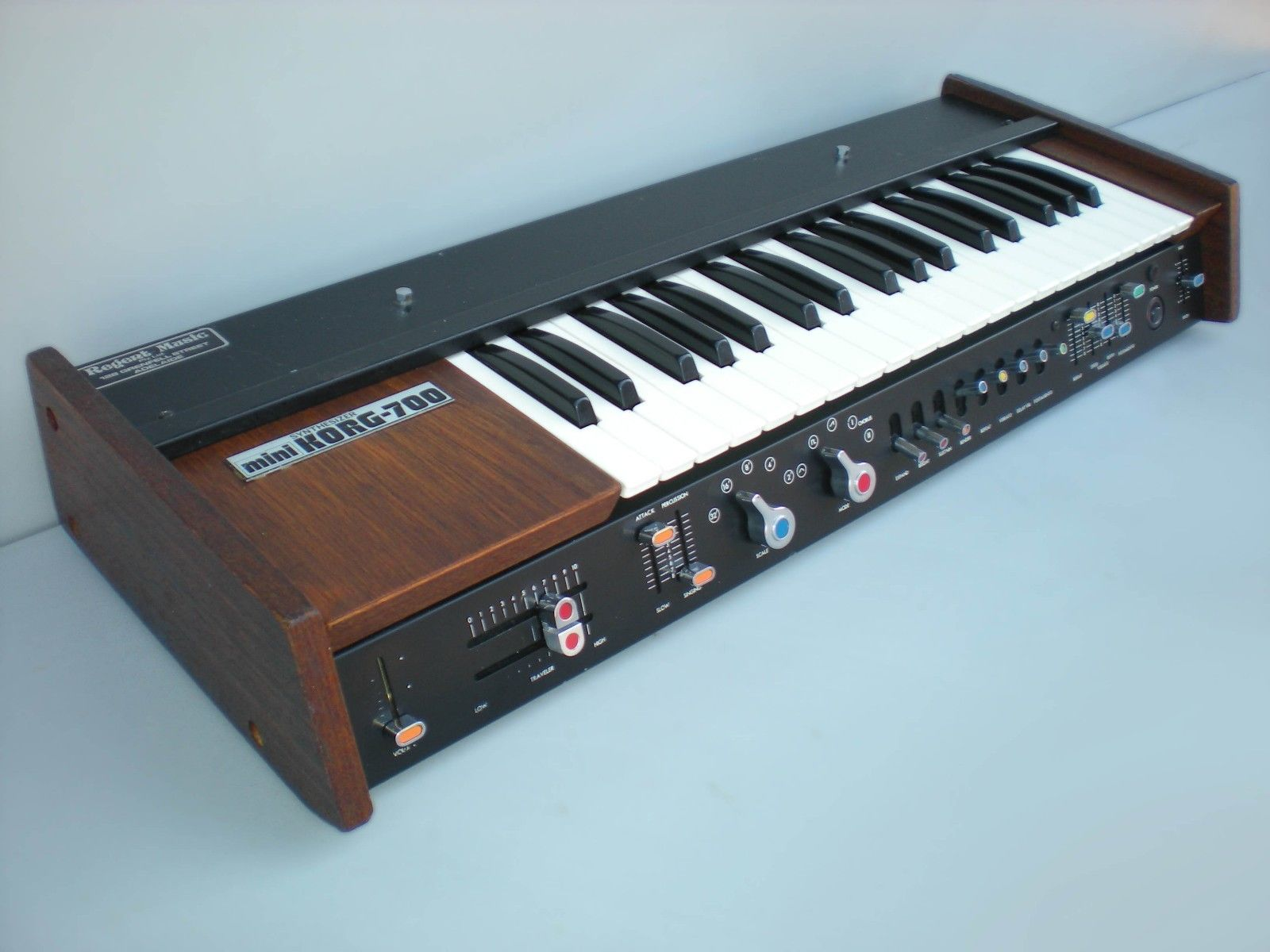 matrixsynth mini korg 700 monophonic electronic music synthesizer. Black Bedroom Furniture Sets. Home Design Ideas