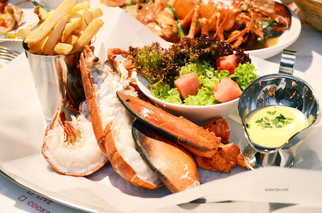 Live whole lobster (Steamed) - RM158++