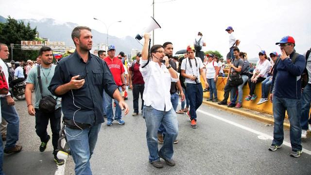 Diputados resistieron la represión en la línea de fuego y cinco resultaron heridos