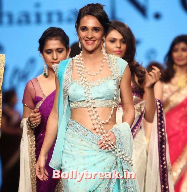 Tara Sharma, Beautiful Bhagyashree, Gauhar, Tara, Perizad, Divya at Cancer Fundraiser Fashion Show