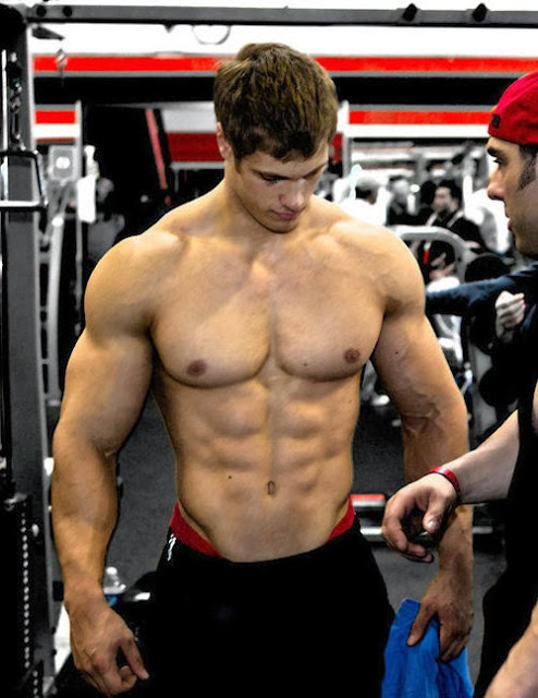 Ripped-sexy-male-athlete