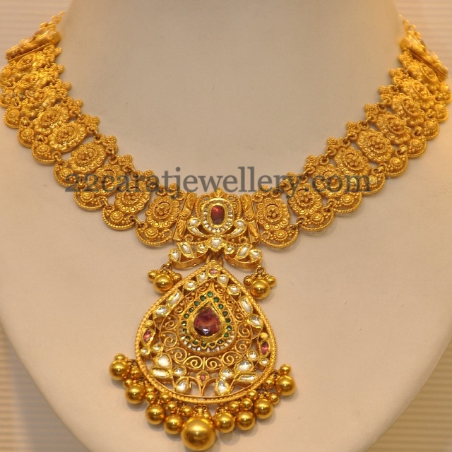 Beautiful South Indian Double Long Necklace Set: 2013 Latest Gold Necklace