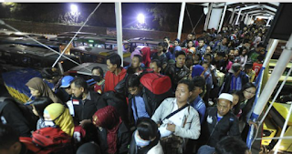 Pemudik mulai ramai menyeberang ke Jawa di Pelabuhan Gilimanuk