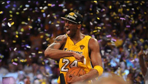 Kobe Bryant celebrando Mamba Day