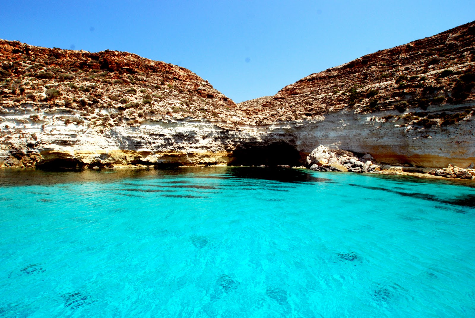 PHOTO: Lampedusa - La tabaccara