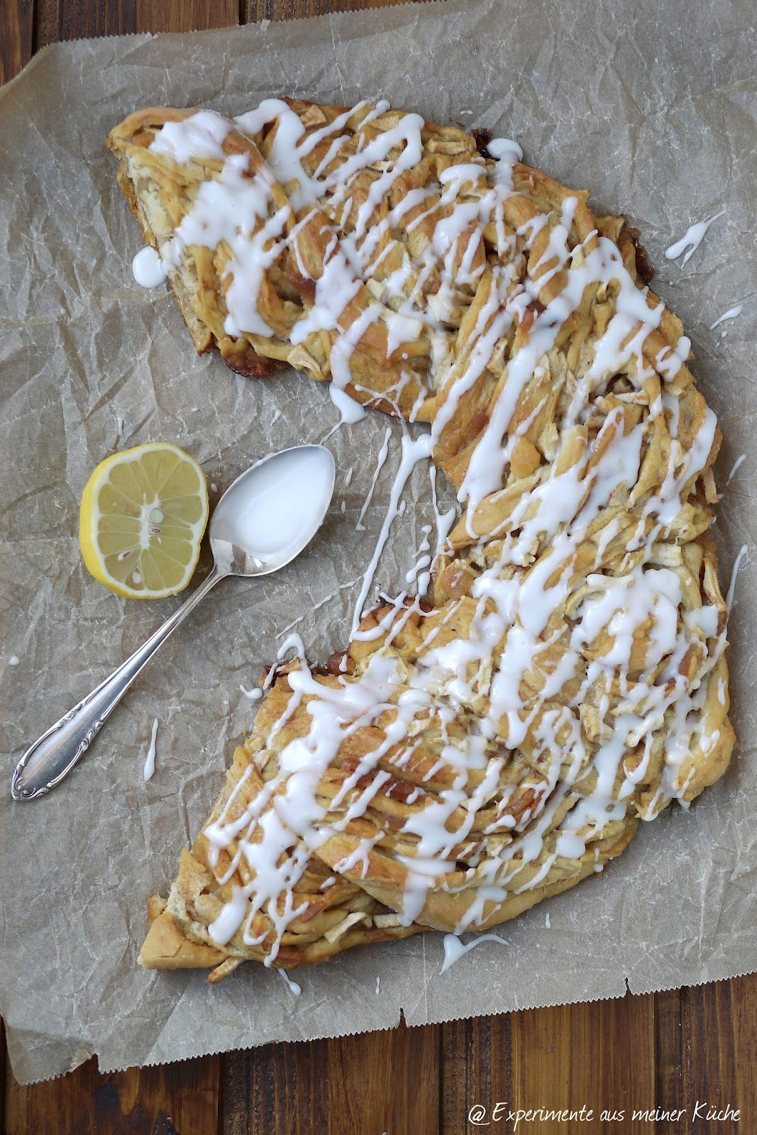 Experimente aus meiner Küche: Bratapfel-Marzipan-Kranz