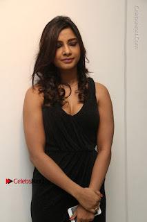Telugu Actress Kamna Singh Stills in Black Dress at Bharat Thakur Art Exhibition Launch  0025.jpg