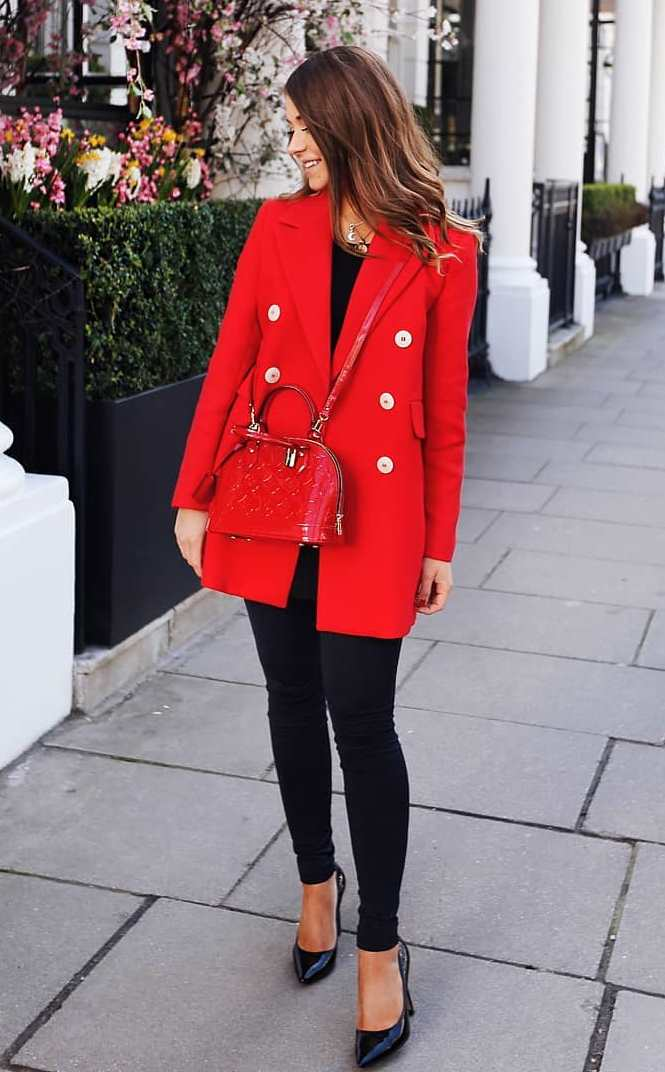 elegant fall outfit idea to copy right now / red blazer + heels + skinnies + bag