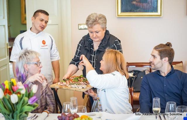 warsztaty kulinarne , akademia smaku sokołów , wola suchożebrska , gotowanie , wieprzowina , smaki dobrego życia , dieta seniorów