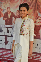 Taapsee Pannu Looks Super Cute in White Kurti and Trouser 09.JPG
