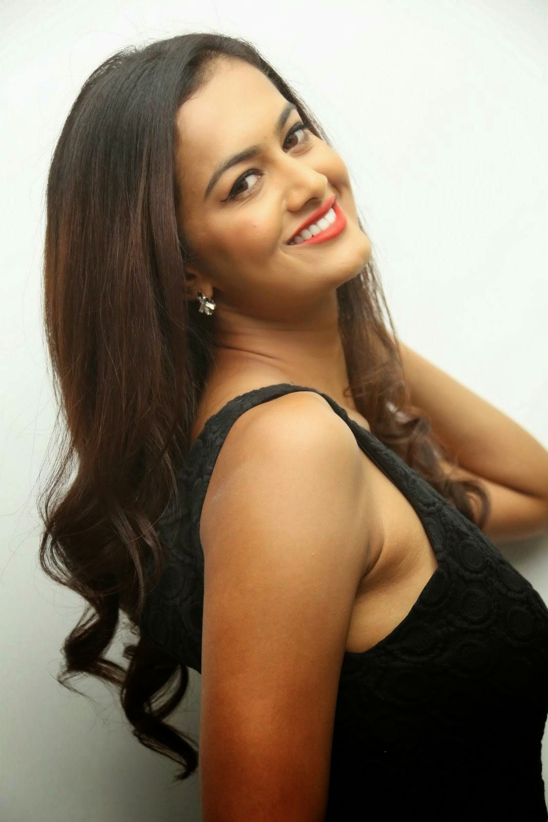 Actress Shubra Aiyappa images, Shubra Aiyappa Sexy Hot Figure images in Black Dress