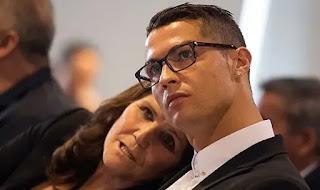 كريستيانو رونالدو يتلقي صدمه جديدة بعودة اصابة والدته بسرطان الثدي مره اخرى