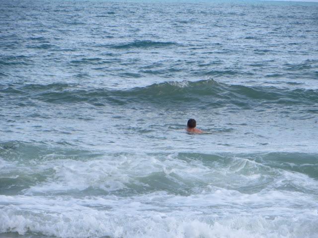 Купание не в спокойном море