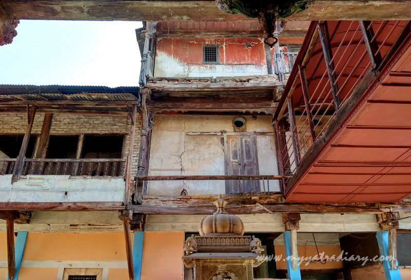 Decrepit stories of the heritage Dhundiraj Ganesha Temple, Vadodara, Gujarat