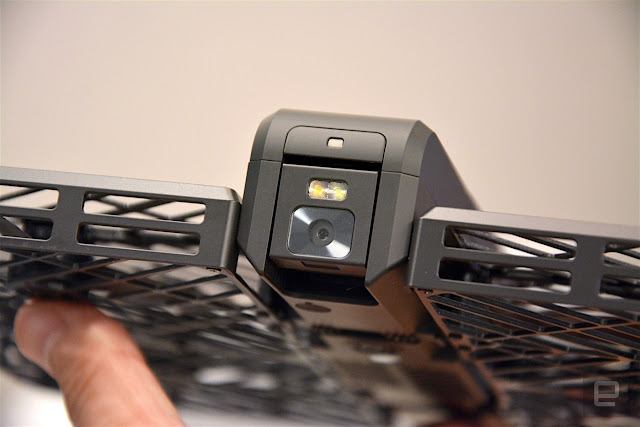 Hover Camera, Drone Elegan yang Bisa Dilipat