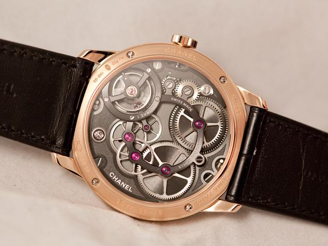 Chiếc đồng hồ nam đầu tiên của Chanel với thiết kế vô cùng ấn tượng