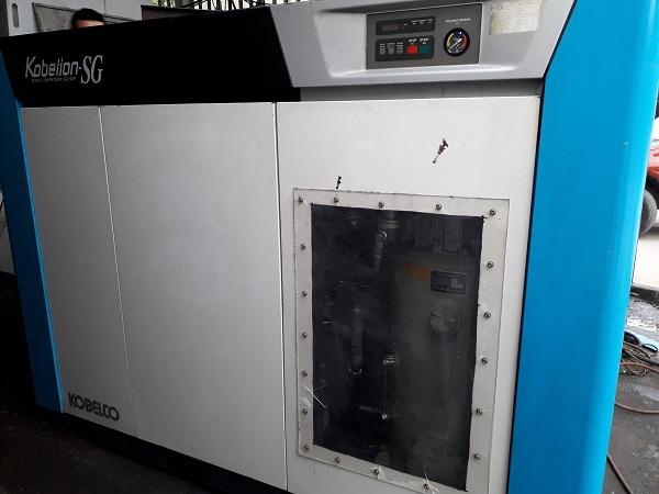 máy nén khí trục vít cũ Kobelco đời cao, giá rẻ