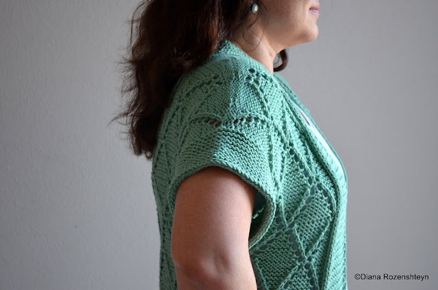 Sunny with a chance of knitting new pattern june gloom kimono with a kimono style sleeves and bold diamond pattern garter stitch border is framed by a little icord fandeluxe Gallery