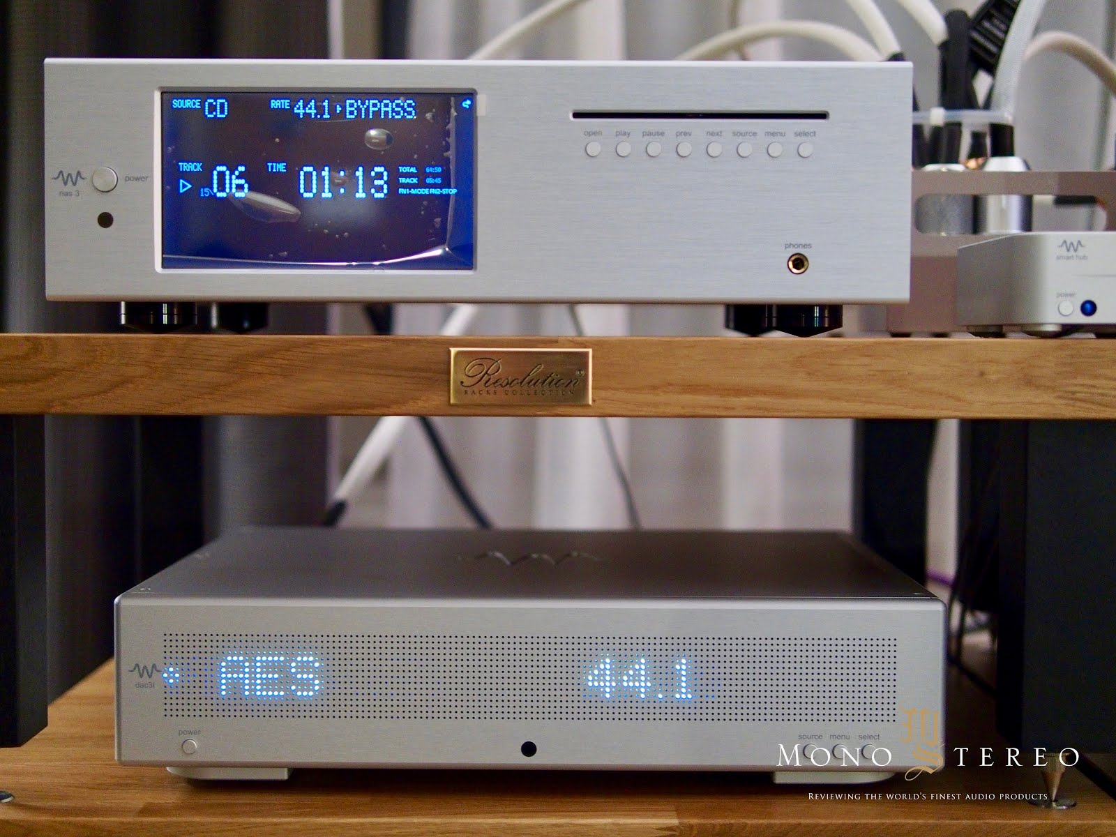 Mono and Stereo High-End Audio Magazine: MILKYSOUND AT MHES