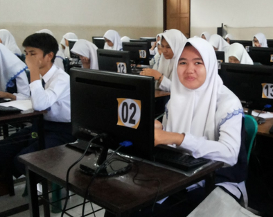 Contoh Soal UNBK Bahasa Indonesia Kelas 9 (Perbedaan Pengembangan dan Konflik dalam Teks)