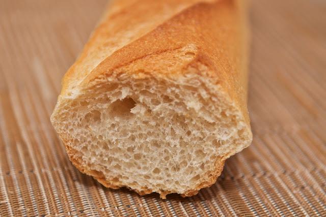 Boulangerie - Boulangerie L'Amie du Village - Saint-Nazaire - Pain - Baguette - Baguette ordinaire - Boulangerie