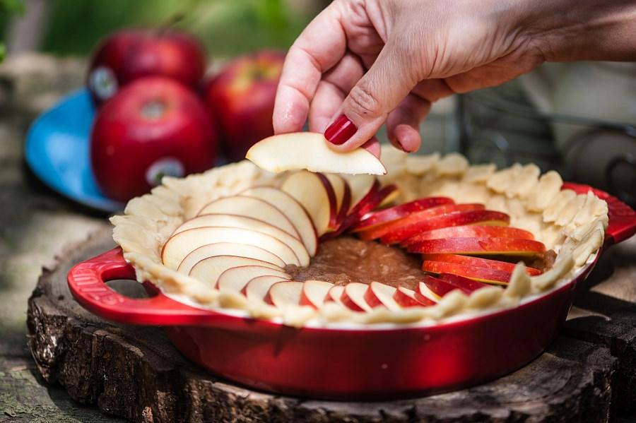 Krucha tarta z jabłkami i musem