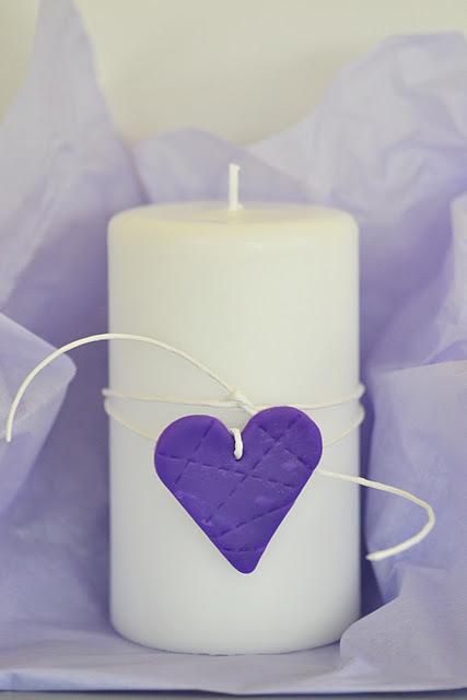 Decorar con velas y corazones estrellas y letras de arcilla  x4duroscom