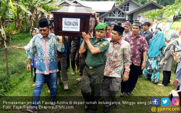 Gadis Calon Istri Fauzan Azima Datang di Pemakaman