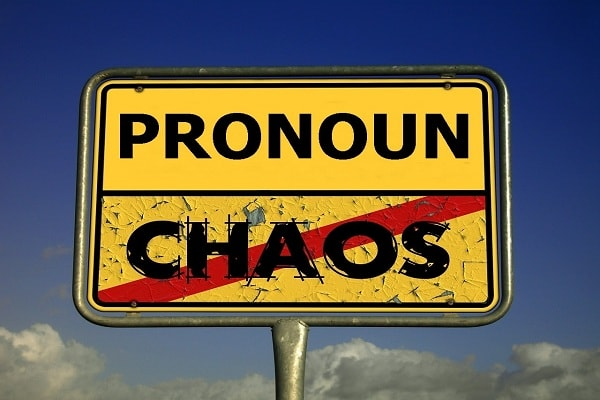 Belajar menggunakan pronoun, pengertian pronoun, fungsi pronoun, contoh pronoun di dalam kalimat bahasa inggris,