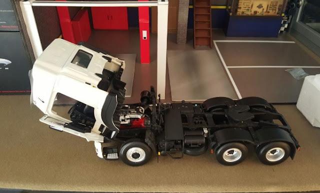 miniatur mobil truk hino lohan tipe 700