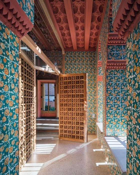Safari Fusion blog | Closed for holidays | Casa Vicens, Barcelona Spain