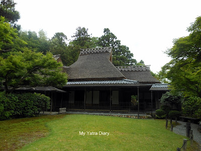Tea house at the Yoshikien garden in Nara, Japan