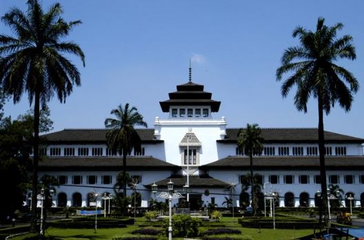 10 Popular Tourist Attractions in Bandung