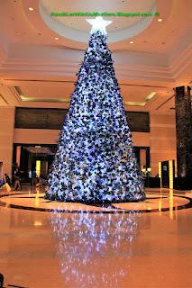 Christmas tree, Radisson Blu Hotel, Cebu, Philippines