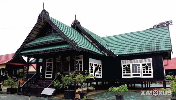 Gambar rumah adat Indonesia - Rumah adat Kalimantan Utara atau Rumah Baloy