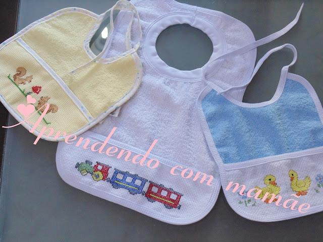 Labores del hogar, babadores de bebê, ponto cruz, linha mouliné, meadas, agulha tapestry, BUETTNER, babadores bordados em ponto cruz