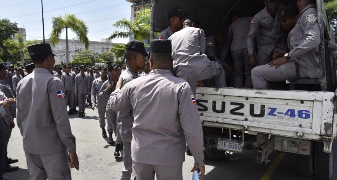 Genera confusión en miembros de la Policía el anuncio de alza salarial