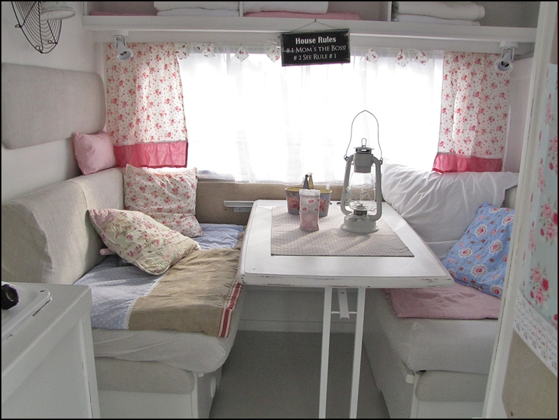 mad about pink shabby chic caravan. Black Bedroom Furniture Sets. Home Design Ideas