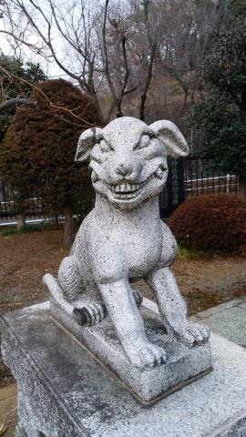 貝取御嶽神社 狛犬左