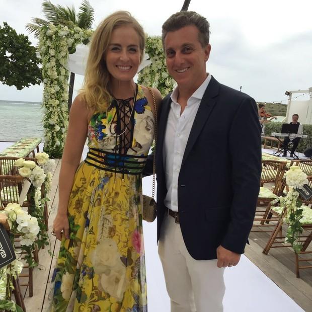 Casamento na praia do Caribe de Helena Bordon e Humberto Meireles, Angélica vestido