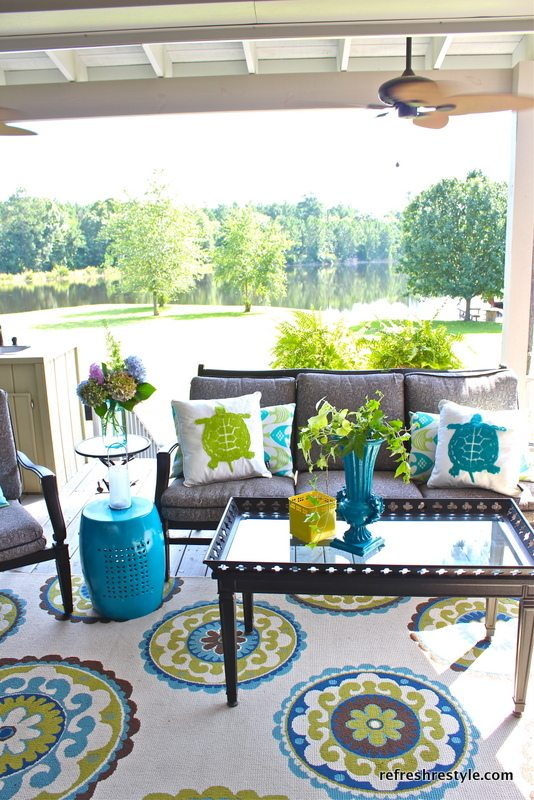 Decorating cents summer patio ideas for Outside porch decorating ideas