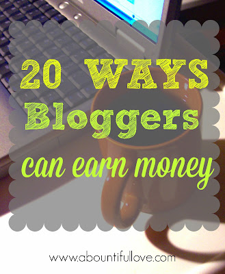 ways bloggers can earn money
