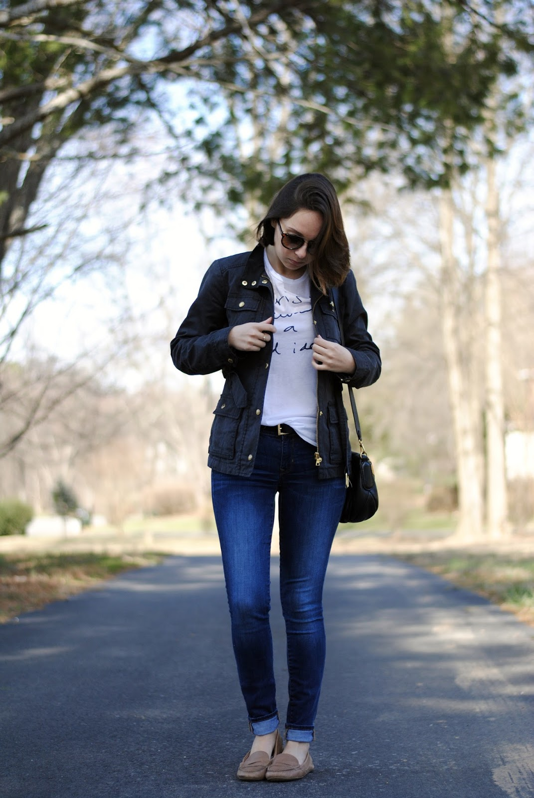 fall outfit jeans tee