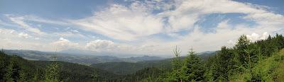 Panorama na Tatry i Pieniny ze stoków Wielkiego Rogacza.