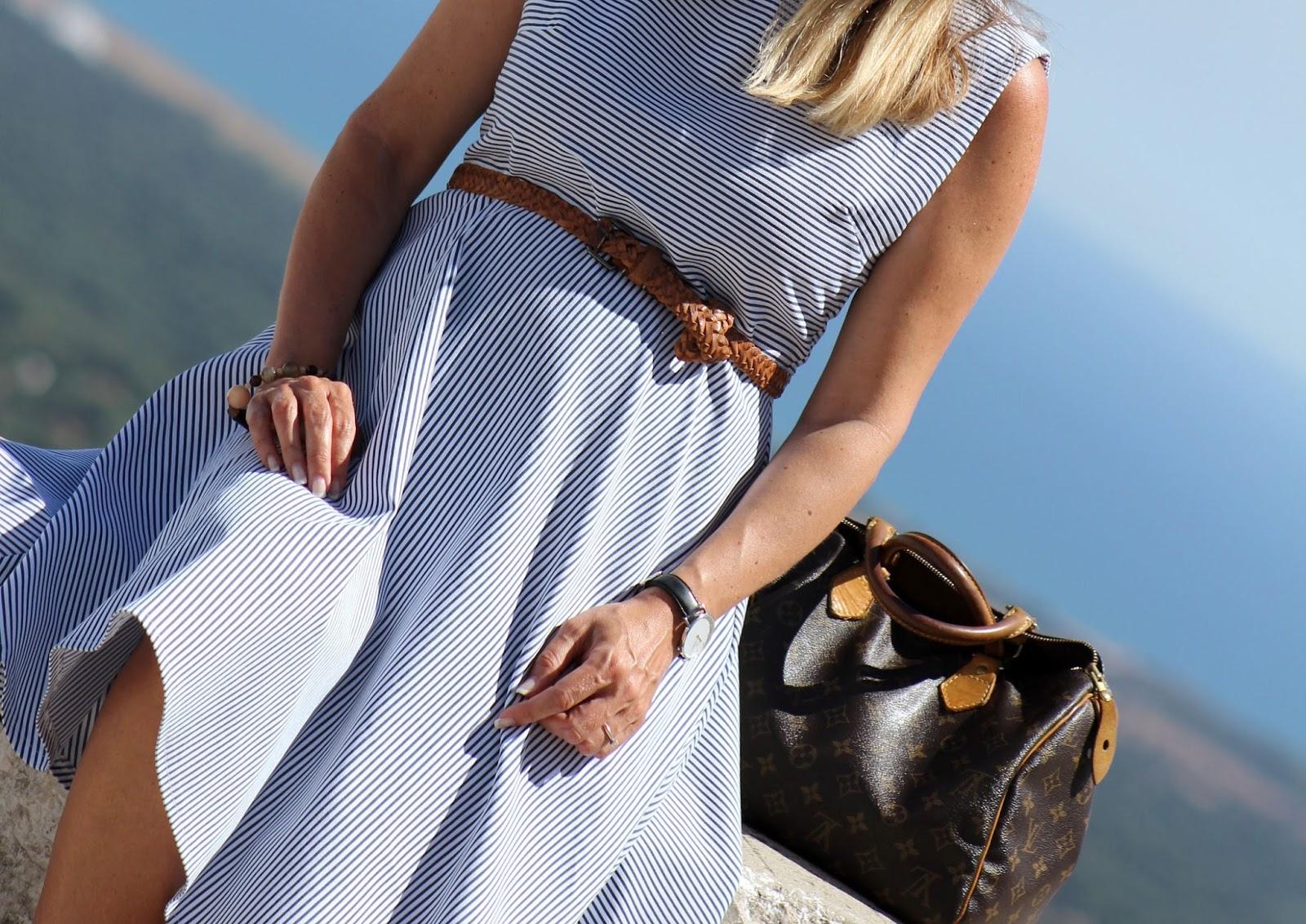 Perché acquistare un vestito a righe - Ostuni - Eniwhere Fashion
