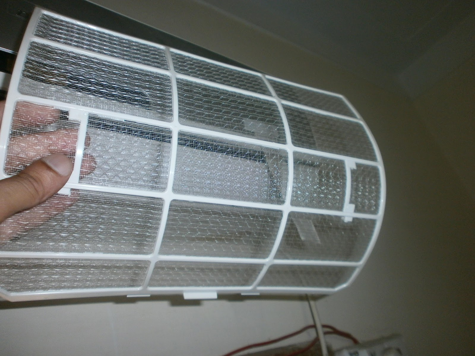how to clean the split ac filter pictorial guide school of electrical technology. Black Bedroom Furniture Sets. Home Design Ideas