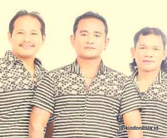 Lirik Batak Esterlina D'Bellsing Trio